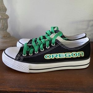 Shoes - [Oregon Ducks] tennis shoes/sneakers